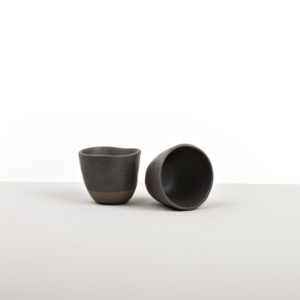 Cup with Patchy Edge – black and brown