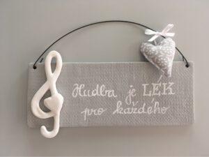 Cedulka s houslovým klíčem