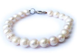 Perlový náramek bílý