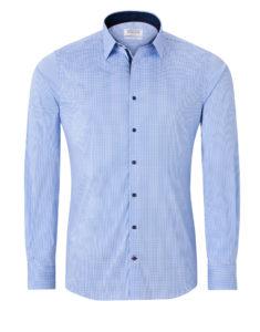Světle modrá košile, kostička s tmavými doplňky