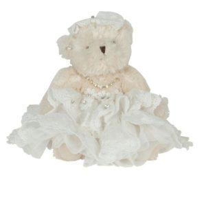 Medvědí slečna v bílých šatech