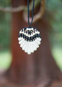 Masivní indiánský náhrdelník