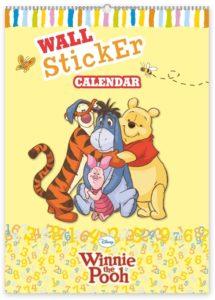 W. Disney Medvídek Pú – kalendář se samolepkami na zeď, 33 x 46 cm