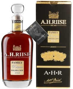 A. H. Riise Family Reserve rum 0,7 l