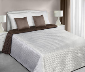 Přehoz na postel CHIK 220×240 cm krémová/hnědá Mybesthome