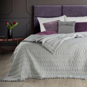 Přehoz na postel s volánky ALBANA 220×240 cm stříbrná Mybesthome