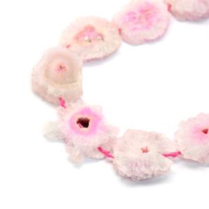 Pokovená drúza z přírodního achátu – pudrově růžová – 10~30 x 10~30 x 5~10 mm – 1 ks